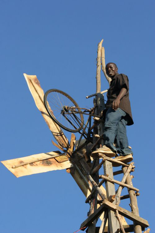 The-Boy-Who-Harnessed-the-Wind-William-Kamkwamba