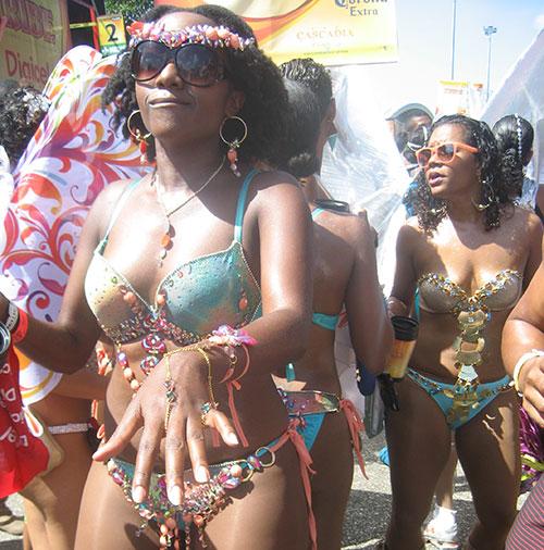 Masquerading-Jezebel-Tribe-Carnival-Trinidad-and-Tobago