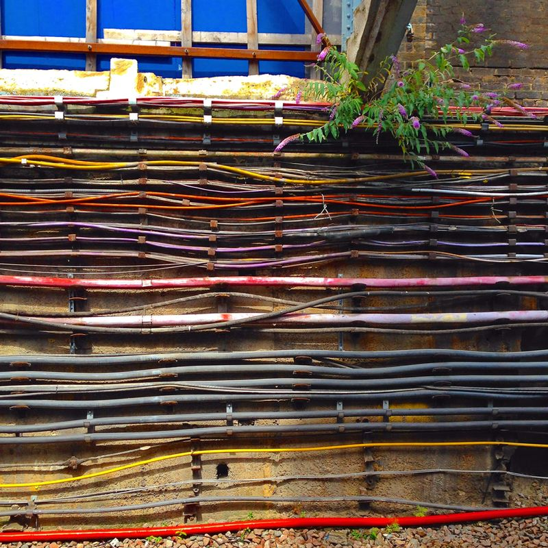 2-Vibrant-London-Underground-Cables